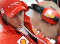 <p>Raikkonen diz que precisa de um milagre para ser bicampeão. O atual campeão da Fórmula 1, Kimi Raikkonen, disse que precisará de um milagre para conquistar o bicampeonato, depois de um decepcionante Grande Prêmio da Itália. 14 de setembro. Photo by Alessandro Bianchi</p>