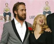 "<p>Cast member Ryan Gosling (L) poses with co-star Patricia Clarkson at the premiere of ""Lars and the Real Girl"" at the Academy of Motion Picture Arts and Sciences in Beverly Hills, California October 2, 2007. REUTERS/Mario Anzuoni</p>"