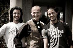 <p>Canadian filmmakers Matt Campagna (L) and Jeff Campagna (R) pose with actor Colm Feore (C) in this publicity photo handout. REUTERS/Handout/Maciek Drozdzik/Campagna Brothers Independent Productions</p>