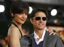 <p>Katie Holmes estréia na Broadway e é aplaudida pelo marido Tom Cruise. A atriz recebeu elogios por sua performance na noite de quinta-feira, mas foi surpreendida na saída do teatro diante de protestos de manifestantes contra a Cientologia. Photo by Mario Anzuoni</p>