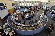 <p>La sala di controllo del Cern a Ginevra. REUTERS/Fabrice Coffrini/Pool (SWITZERLAND)</p>