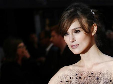 Actress Keira Knightley arrives for the world premiere of ''The Duchess'' at Leicester Square in London September 3, 2008. REUTERS/Luke MacGregor