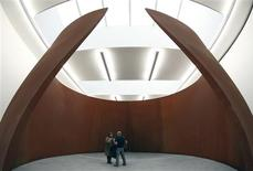 <p>A sculpture entitled 'TTI London' by artist Richard Serra is displayed during the unveiling of his new exhibition at the Gagosian Gallery in London October 3, 2008. REUTERS/Alessia Pierdomenico</p>