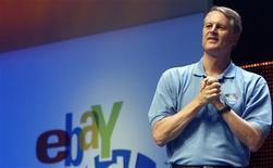 <p>John Donahoe, le P-DG d'eBay. Le numéro un mondial des enchères sur internet va réduire ses effectifs de 10%, en supprimant 1.000 postes permanents et plusieurs centaines d'emplois intérimaires. /Photo prise le 20 juin 2008/REUTERS/Frank Polich</p>
