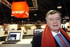 <p>Didier Lombard, P-DG de France Telecom. Orange, la filiale de téléphonie mobile de l'opérateur français, a remporté l'appel d'offres pour l'attribution de la troisième licence mobile (GSM et 3G) en Arménie. /Photo prise le 9 avril 2008/REUTERS/Eric Gaillard</p>
