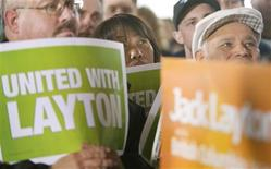 <p>Supporters of New Democratic Party Leader Jack Layton listen to his speech during a campaign stop in Vancouver, British Columbia October 6, 2008. REUTERS/Andy Clark</p>