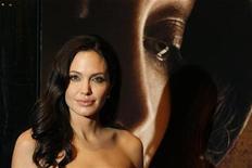 """<p>Foto de archivo de la actriz Angelina Jolie durante el estreno en Nueva York de su cinta """"Changeling"""", 4 oct 2008. REUTERS/Lucas Jackson (UNITED STATES)</p>"""