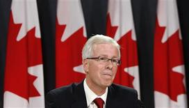 <p>Stephane Dion pauses during a news conference to announce he will resign as leader of the Liberal party in Ottawa October 20, 2008. REUTERS/Chris Wattie</p>