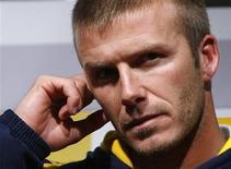<p>David Beckham pode ser uma alternativa a Andrea Pirlo como meia-armador do Milan, caso realmente se transfira do Los Angeles Galaxy para o clube italiano, disse o técnico Carlo Ancelotti em entrevista publicada na quinta-feira pela Gazzetta dello Sport. REUTERS/Jo Yong-Hak</p>