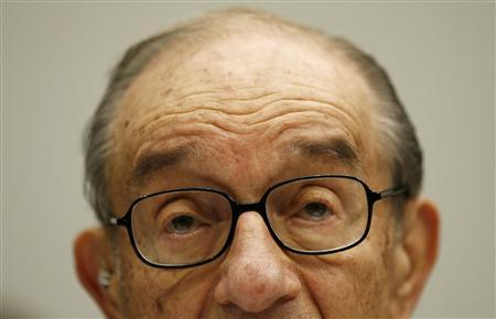 Former Chairman of the Federal Reserve Alan Greenspan testifies before the House Oversight and Government Reform Committee on Capitol Hill in Washington October 23, 2008. REUTERS/Kevin Lamarque