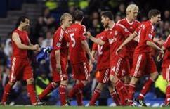 <p>Jogadores do Liverpool comemoram vitória sobre o Chelsea. REUTERS/Toby Melville</p>