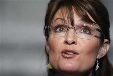 <p>Republican vice-presidential nominee Alaska Governor Sarah Palin introduces Republican presidential nominee Senator John McCain at a campaign rally in Cincinnati, Ohio, October 22, 2008. REUTERS/Brian Snyder</p>