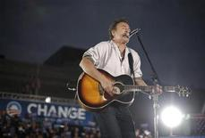 <p>American singer Bruce Springsteen performs at a campaign rally for U.S. Democratic presidential nominee Senator Barack Obama in Cleveland, Ohio November 2, 2008. REUTERS/Jason Reed</p>
