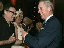 <p>Britain's Prince Charles meets actor Robin Williams backstage at the Wimbledon Theatre, in London November 12, 2008. REUTERS/Alastair Grant/Pool</p>