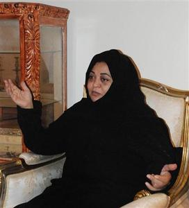 Saudi doctor Sara Abbar speaks to Reuters in Jeddah November 19, 2008. REUTERS/Asma Alsharif