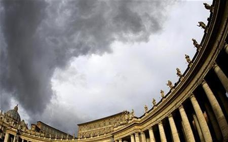 Heavy clouds hover over St. Peter's Square at the Vatican December 5, 2008. REUTERS/Max Rossi