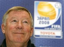 <p>Técnico do Manchester United Alex Ferguson concede entrevista coletiva em Tóquio, nesta terça-feira. REUTERS/Toru Hanai</p>