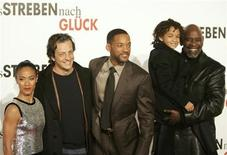 <p>U.S. actress Jada Pinkett Smith (L-R) Italian director Gabriele Muccino, Will Smith, his son Jaden and Chris Gardner, whose life the movie is based on, pose at the German premiere of 'Das Streben nach Glueck' (The Pursuit of Happyness) in Berlin in this file photo from January 9, 2007. REUTERS/Tobias Schwarz</p>
