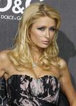 <p>A casa da socialite norte-americana Paris Hilton foi invadida nesta sexta-feira por um homem com capuz e luvas, que arrombou a porta da frente e saiu com alguns pertences, afirmou a polícia. . REUTERS/Fred Prouser/Files (UNITED STATES)</p>