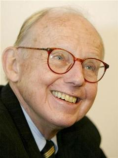 Samuel P. Huntington, a Harvard University professor and author of ''Clash of Civilizations'', smiles in this file image taken during an interview with Reuters in Santiago, August 7, 2002. REUTERS/Claudia Daut