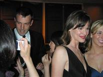 <p>Actors Ben Affleck (L) and Jennifer Garner (R) arrive for the annual White House Correspondents' Association dinner in Washington, April 26, 2008. REUTERS/Jim Bourg</p>