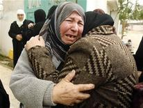 <p>Un funerale a Gaza. REUTERS/Ibraheem Abu Mustafa</p>
