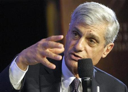 Former Treasury Secretary Robert Rubin participates in a panel discussion about Poverty Alleviation at the Clinton Global Initiative, in New York, September 20, 2006. REUTERS/Chip East