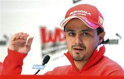 <p>O brasileiro Felipe Massa, da Ferrari, disse na quinta-feira ser contra a proposta de limitar os salários dos pilotos da Fórmula 1 como parte da estratégia geral de contenção de gastos na categoria por causa da crise global. REUTERS/Stefano Rellandini</p>