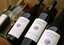 <p>Foto de archivo de vinos del valle de Napa en California, EEUU, 12 sep 2008. El mundo del vino está elevando sus copas por el presidente electo de Estados Unidos, Barack Obama, mientras se muda a la Casa Blanca, con la esperanza de que su disfrute del vino local impacte en los hábitos de los estadounidenses. REUTERS/Robert Galbraith</p>