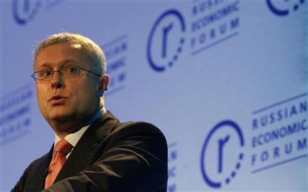 Alexander Lebedev speaks during the 10th Russian Economic Forum at the Queen Elizabeth II Centre in London April 23, 2007. REUTERS/Alessia Pierdomenico