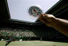 <p>Un'ondata di calore senza precedenti nell'ultimo secolo ha creato problemi agli Australian Open. REUTERS/David Gray (AUSTRALIA)</p>