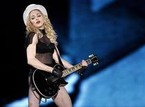 "<p>Madonna durante il suo tour ""Sticky and Sweet"" a Buenos Aires, lo scorso dicembre. REUTERS/Marcos Brindicci</p>"