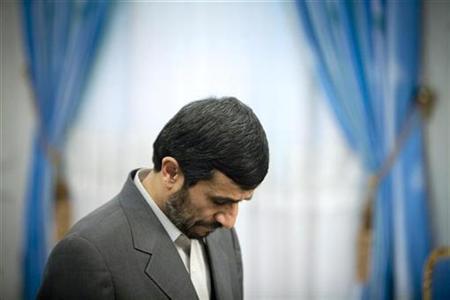 Iranian President Mahmoud Ahmadinejad in Tehran, December 25, 2008. REUTERS/Morteza Nikoubazl
