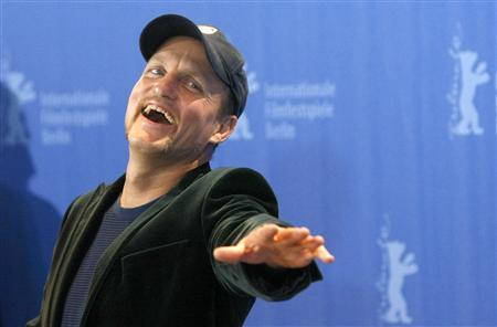 Actor Woody Harrelson poses during a photocall to promote the movie 'The Messenger' at the 59th Berlinale film festival in Berlin, February 9, 2009. REUTERS/Fabrizio Bensch