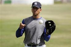 <p>New York Yankees' Alex Rodriguez attends a baseball training session in an open camp in Boca Chica February 3, 2009. REUTERS/Eduardo Munoz</p>