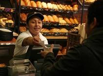 <p>Immagine d'archivio di una panetteria. REUTERS/John Gress (UNITED STATES)</p>