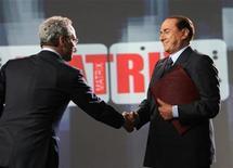"""<p>Un'immagine della trasmissione """"Matrix"""" dello scorso aprile quando Enrico Mentana intervistò Silvio Berlusconi alla vigilia delle elezioni politiche. REUTERS/Alessandro Di Meo/Pool</p>"""