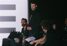 <p>O cantor Justin Timberlake assiste ao desfile da coleção William Rast, em NY REUTERS/Carlo Allegri (UNITED STATES)</p>