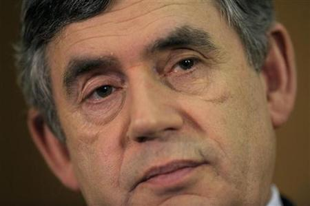 Prime Minister Gordon Brown pauses during his monthly news conference at 10 Downing Street in London, February 18 2009. REUTERS/Kieran Doherty