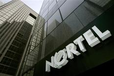 <p>Nortel Networks supprimera encore 3.200 emplois, soit 10% environ de ses effectifs. /Photo d'archives/REUTERS/Mark Blinch</p>