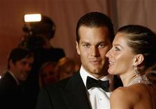 "<p>Brazilian supermodel Gisele Bundchen and New England Patriots quarterback Tom Brady, arrive for the Metropolitan Museum of Art Costume Institute Gala, ""Superheroes: Fashion and Fantasy"" in New York May 5, 2008. REUTERS/Lucas Jackson</p>"