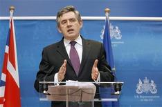 """<p>Премьер-министр Великобритании выступает на пресс-конференции в Брюсселе 1 марта 2009 года. Премьер-министр Великобритании Гордон Браун надеется на этой неделе заключить союз с президентом США Бараком Обамой, чтобы вместе сражаться с мировым финансовым кризисом и укрепить то, что Лондон называет """"особыми отношениями с Вашингтоном"""". REUTERS/Sebastien Pirlet</p>"""
