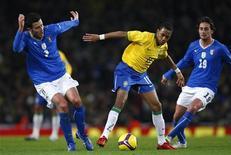 <p>Una partita dell'Italia contro il Brasile REUTERS/ Eddie Keogh</p>