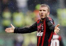 <p>O Milan está trabalhando para ampliar o empréstimo de David Beckham do Los Angeles Galaxy até o final de junho com o objetivo de tê-lo permanente no próximo ano. REUTERS/Giampiero Sposito (ITÁLIA)</p>
