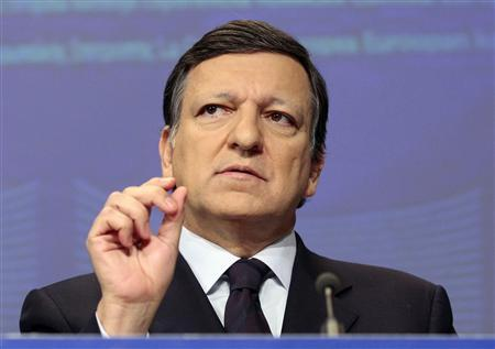 European Commission President Jose Manuel Barroso speaks during a news conference at the EU Commission's Headquarters in Brussels March 4, 2009. REUTERS/Sebastien Pirlet