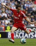 <p>Benayoun pode desfalcar a equipe inglesa em jogo contra o Real Madrid após sofrer lesão muscular em treino no fim de semana. REUTERS/Nigel Roddis</p>