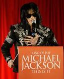 <p>Astro pop Michael Jackson durante entrevista coletiva em Londres. 05/03/2009. REUTERS/Stefan Wermuth (GRÃ-BRETANHA)</p>