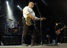 <p>Frank Black of the U.S. band The Pixies performs during the opening night of the Paleo music festival in Nyon in this file photo from July 18, 2006. REUTERS/Denis Balibouse</p>