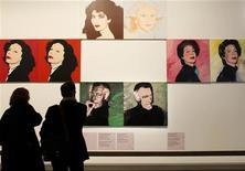 """<p>La mostra """"Le grand Monde d'Andy Warhol"""" al Grand Palais a Parigi. REUTERS/Benoit Tessier</p>"""