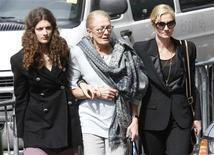<p>Actresses Vanessa Redgrave (C), her daughter actress Joely Richardson (R), and her granddaughter Daisy Bevan (L) arrive at wake for actress Natasha Richardson at the American Irish Historical Society on 5th Avenue in New York, March 20, 2009. REUTERS/Mike Segar</p>